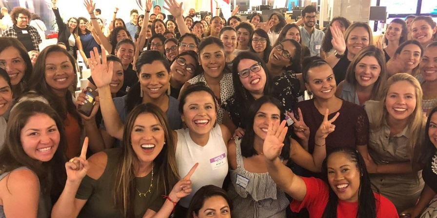 la mujer latina en el mercado laboral